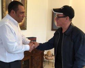 יצחק אהרון עם ז'אן קלוד ואן דאם 2016